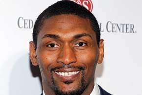 567558-ron-artest-metta-world-peace-621x322