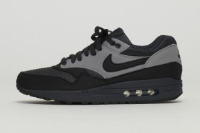 nike-air-max-1-black-reflective-1-620x413