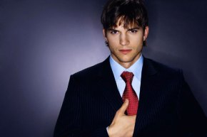 ashton-kutcher-to-play-steve-jobs-in-upcoming-film-01